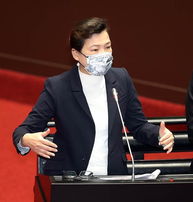 外傳台積電將花上億元包水車,經濟部長王美花今(19日)表示,廠商也要超前部署。(圖/本報系資料照片)