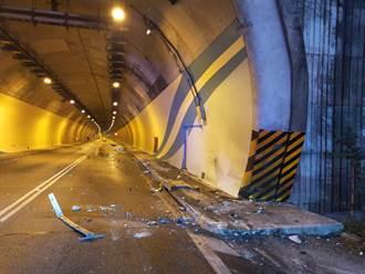 國道6號聯結車自撞 一度造成回堵