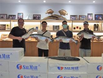 雲林整尾3千元鮭魚大放送 爆紅醫大生「張鮭魚之夢」也來這報到了