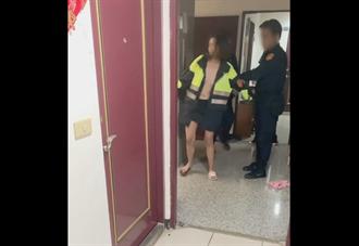 三峽酒醉裸女狂敲鄰居家門 對警稱:以為在家洗澡