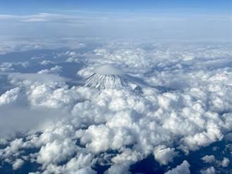 華航「空中女王」最後一役 俯瞰富士山告別藍天