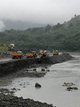 水庫乾涸乘機清淤   Q1挖出357萬噸泥沙創新高