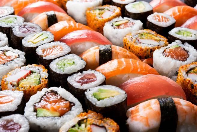 鮭魚之亂可能有續集,日媒爆料,業者擬推這2種魚的活動。(示意圖/Shutterstock)
