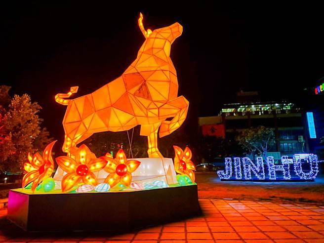 金門星光節搭配鄉鎮網紅燈景包括「金湖燈光節」、「放閃金寧燈會」,處處都是打卡景點。(金門縣府觀光處提供)