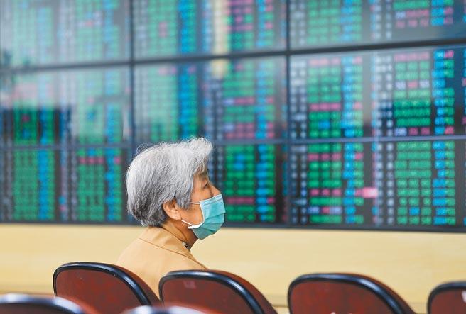 今年經濟擴張趨勢確立,獲利成長題材支撐下,股市仍可望維持多頭行情。(季志翔攝)