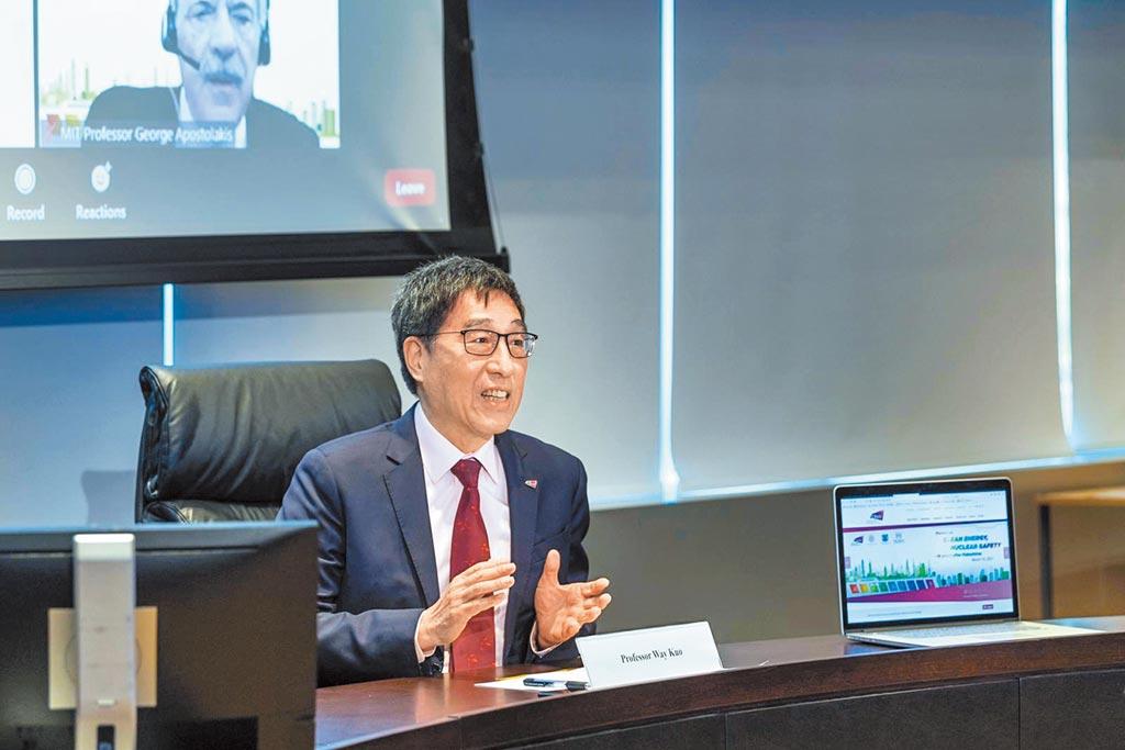 香港城市大學校長郭位鼓吹「七彩能源」理念,針對各國各地區所屬的不同自然環境,提出相應的能源政策與研發,更能避免汙染。(香港城市大學提供/李侑珊台北傳真)