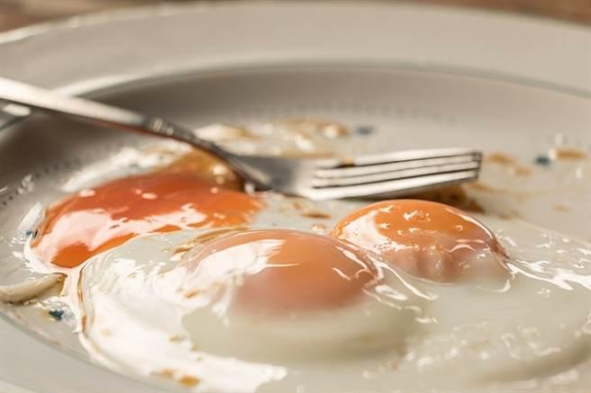 適量吃蛋別擔心 營養師曝「真正高膽固醇食物」是這些 - 健康