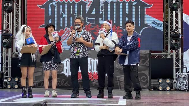 運動局長李昱叡代表市長參加街舞大賽。(台中市政府提供)