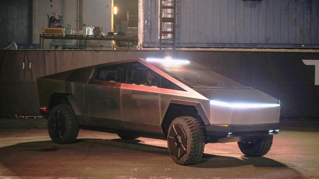 特斯拉 Cybertruck 新進度:IDRA 八千噸車體壓鑄機獲首張訂單,再創世界紀錄第一大!