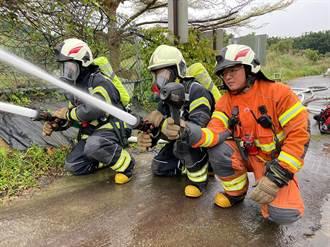 清明連假即將到來 蘆竹消防分隊辦理公墓搶救演練