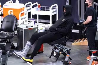 NBA》詹皇穿保護靴觀戰 湖人作客慘遭太陽修理