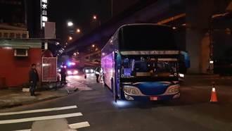 剛打工完遇死劫 21歲男騎士遭遊覽車撞死五股街頭