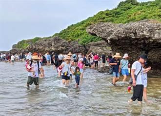 小琉球潮間帶4月開放 遊客只能走觀賞走廊