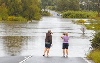 暴雨破紀錄 洪水肆虐澳洲東岸
