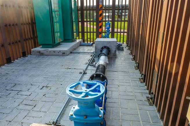 頭前溪沿線的17口抗旱井,這幾天取水量有2.31萬噸。(羅浚濱攝)