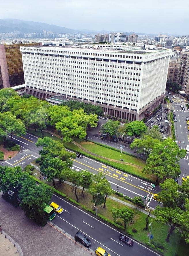 圖為敦化北路台塑大樓。圖/本報資料照片