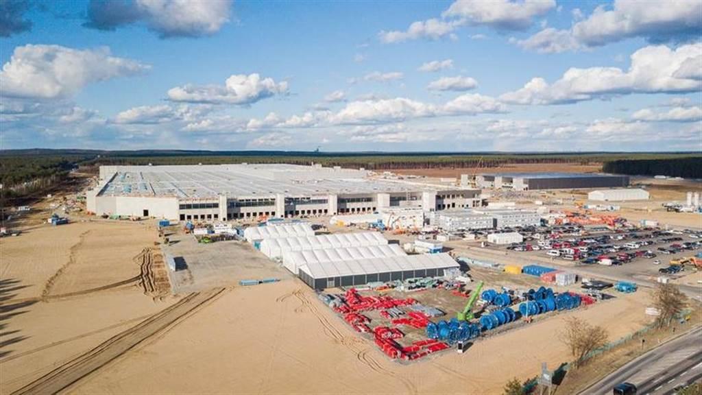 德國官員稱特斯拉柏林工廠 7 月下旬開工,開始為勞工交通問題做討論