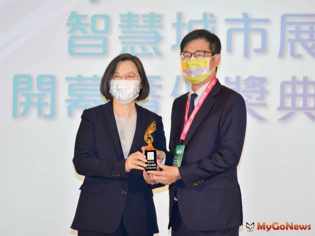 陳其邁要讓亞灣成為台灣最完整的5G AIoT實驗場域、智慧城市的新門戶(圖/高雄市政府)