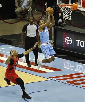 NBA》沃爾大三元救贖 火箭擊潰暴龍中止20連敗
