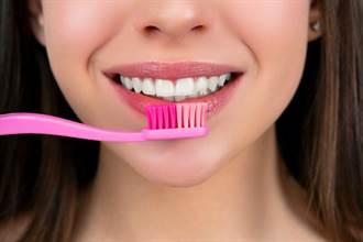 牙齒為何越刷越黃?牙醫曝變色真相 眾人驚:做錯一輩子