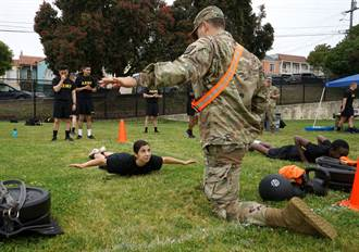 新體測維持男女適用同一成績標準 美陸軍:戰場不分性別