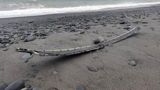 【F5E擦撞】台東南田海邊發現機體殘骸 離失事地點約20公里