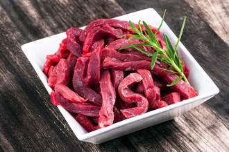 泰男愛吃生牛肉拉出18M寄生蟲 超猛長度破50年紀錄