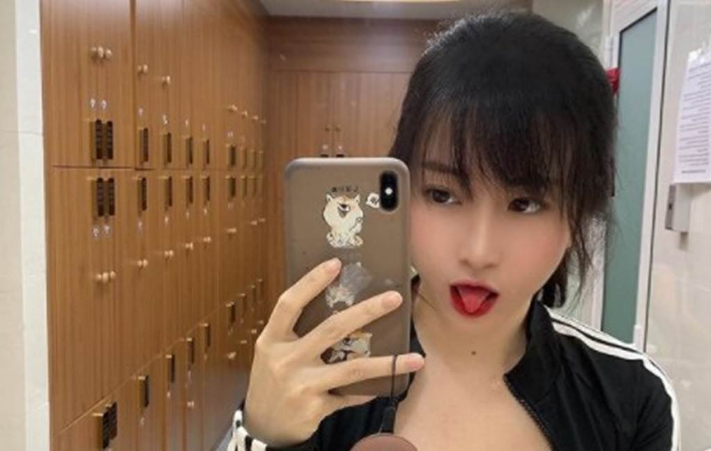 越南網紅Asa常PO艷照,在網路上有20萬粉絲追蹤。(圖/IG@ tiny.asa)