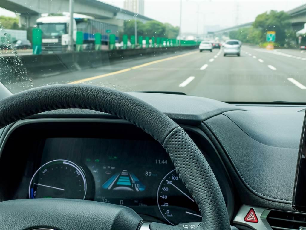擁有LV.2的駕駛輔助可說是塞車利器,能大幅減低駕駛負擔。(陳彥文攝)