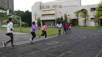 跑道老舊學生頻受傷 基隆9所學校亟需整修