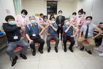成大醫院800劑AZ疫苗今開打 1200人願施打
