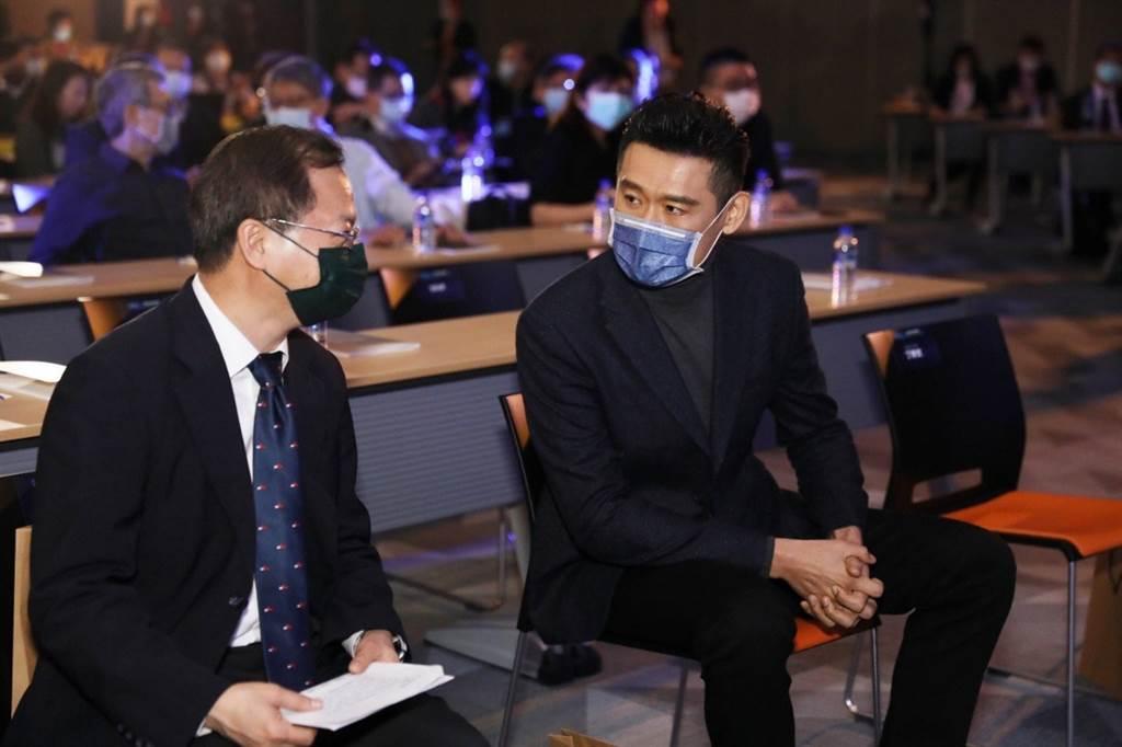 注重產業未來發展的龔明鑫主任委員展現對電動車產業的高度期待與支持,並表示國發會將持續協助有利於國家發展的企業。(圖/KYMCO提供)