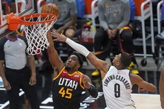 NBA》三巨頭全缺陣!籃網作客遭爵士痛扁