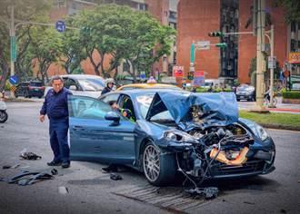 19歲男才領照秒撞爛500萬保時捷 爸苦笑:車壞了哈哈