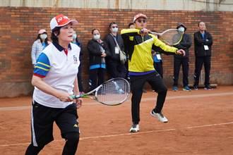 全國議長盃網球賽 竹市副議長余邦彥和鍾淑英奪亞軍
