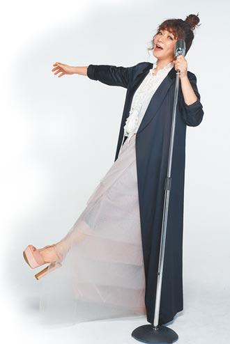 趙詠華翻唱〈這個世界〉祈福送暖
