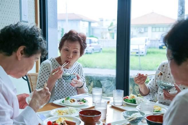 飲食優化可降低高血壓、心血管疾病、糖尿病!預防醫學名醫揭食物圈裡的「超級英雄」。(示意圖/Shutterstock)