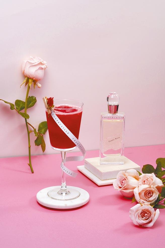 香緹卡攜手W Taipei推出花漾女人主題調飲,達比玫瑰 。(飲酒過量有害健康)(香緹卡提供)