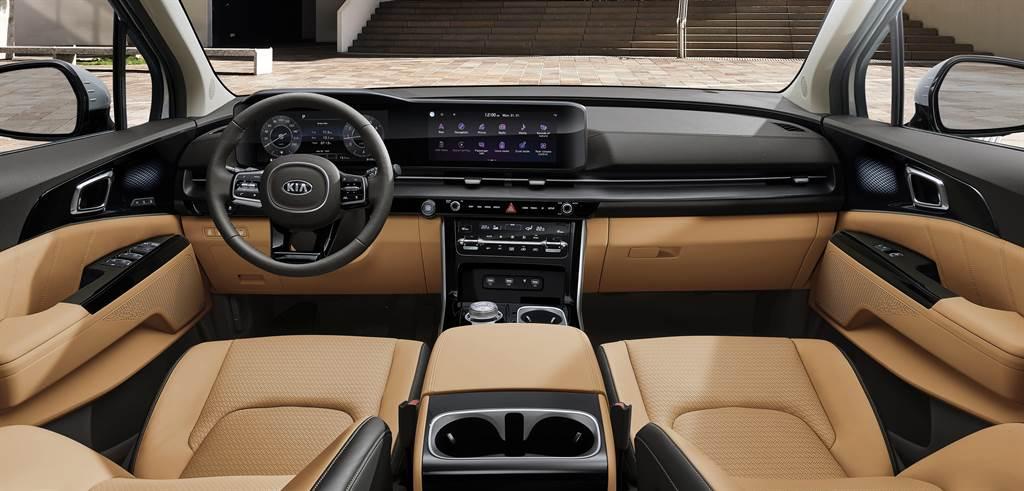 KIA All-new Carnival蘊含「TRENDYDESIGN革新設計、LUXURY COMFORT 奢華舒適、PIONEERTECHNOLOGY 前瞻科技」三大產品DNA,融合SUV與MPV特質,打造全新GUV(Grand Utility Vehicle)全功能豪華休旅級距。