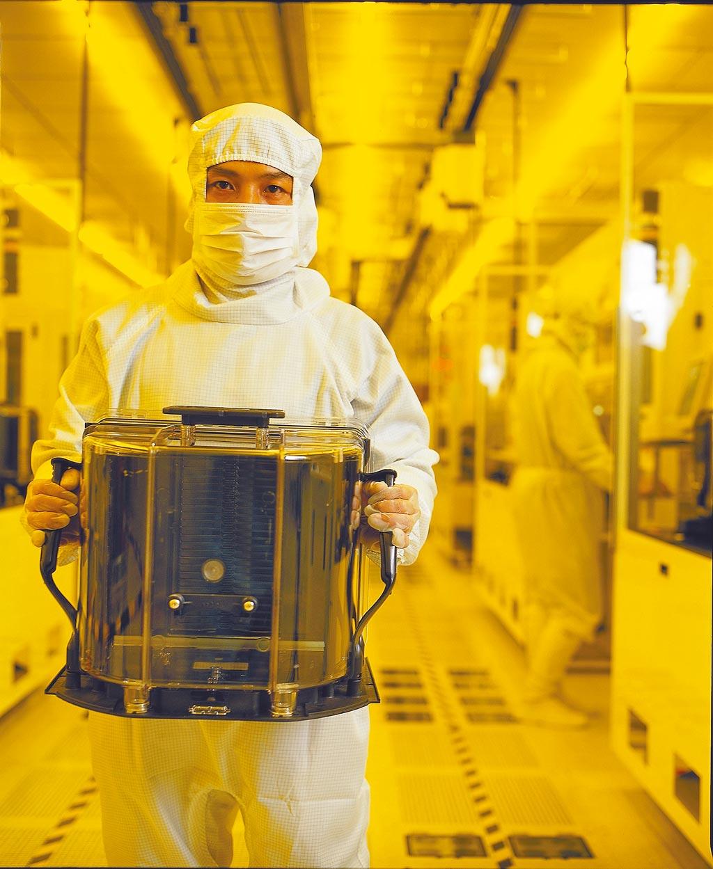 半導體廠是用水怪獸。圖為台積電12吋晶圓。(台積電提供)