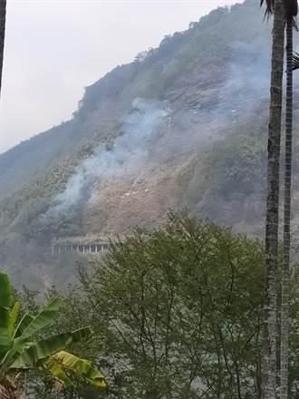 陳吉仲剛慰問完大火救難人員 阿里山達邦公路又燒