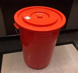 【缺水危機】50年沒見過!水桶變搶手貨 醫驚:五金行滿滿都是人
