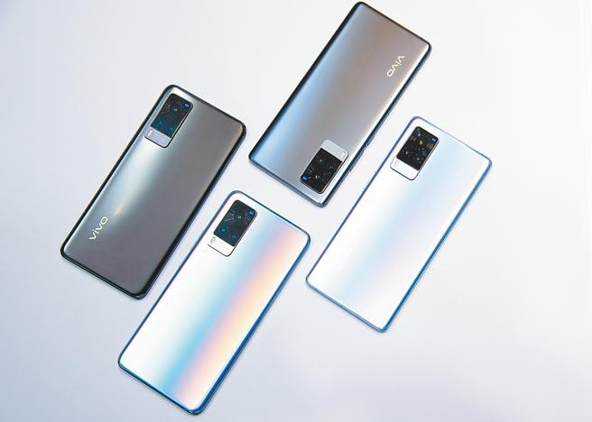 又見陸牌手機品牌在台發表新機,vivo帶來全新vivo X60系列新機,定價1萬8990元起,28日前預購即享各式好禮。(vivo提供)