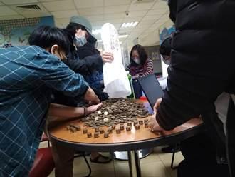 移工求去竟丟8938個1元硬幣羞辱 勞動局:丟台灣人的臉