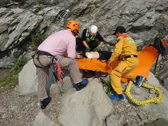 花蓮舊蘇花攀岩意外 男子墜50米深懸崖