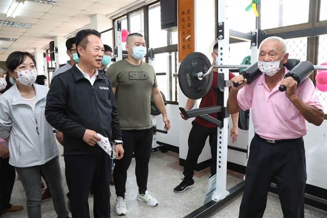 嘉義縣首座銀髮健身俱樂部在中埔 今天揭牌 - 寶島