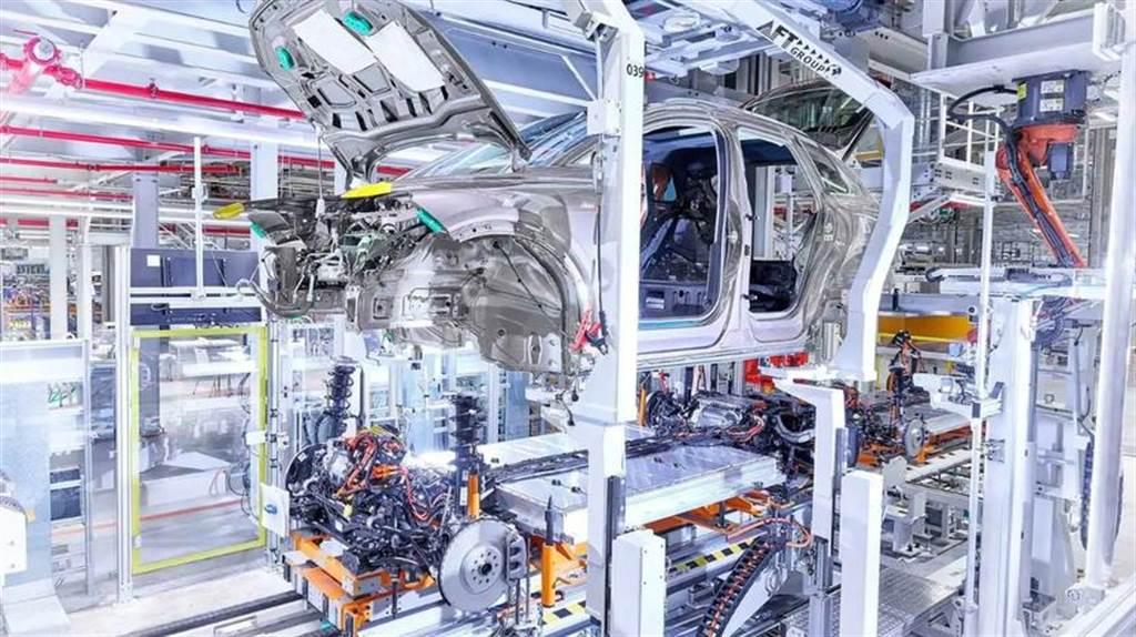福斯電動車工廠日產能破千,VW ID.4 今年全球銷量上看 15 萬輛