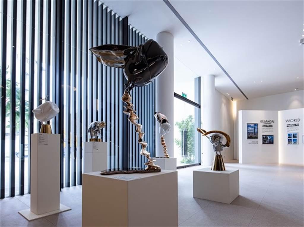 東村建設與台日藝術名家跨界合作台日雙強聯展於「東昀昀」接待中心展出。(業者提供)