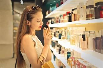 噴上喜歡的香水味再出門 醫警告:長期下來罹癌風險高