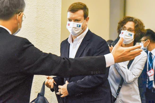 台帛旅遊泡泡將於4月1日啟動,帛琉總統惠恕仁昨日下午率先帶團抵台訪問,美國駐帛琉大使倪約翰(見圖)也低調隨行。(陳麒全攝)